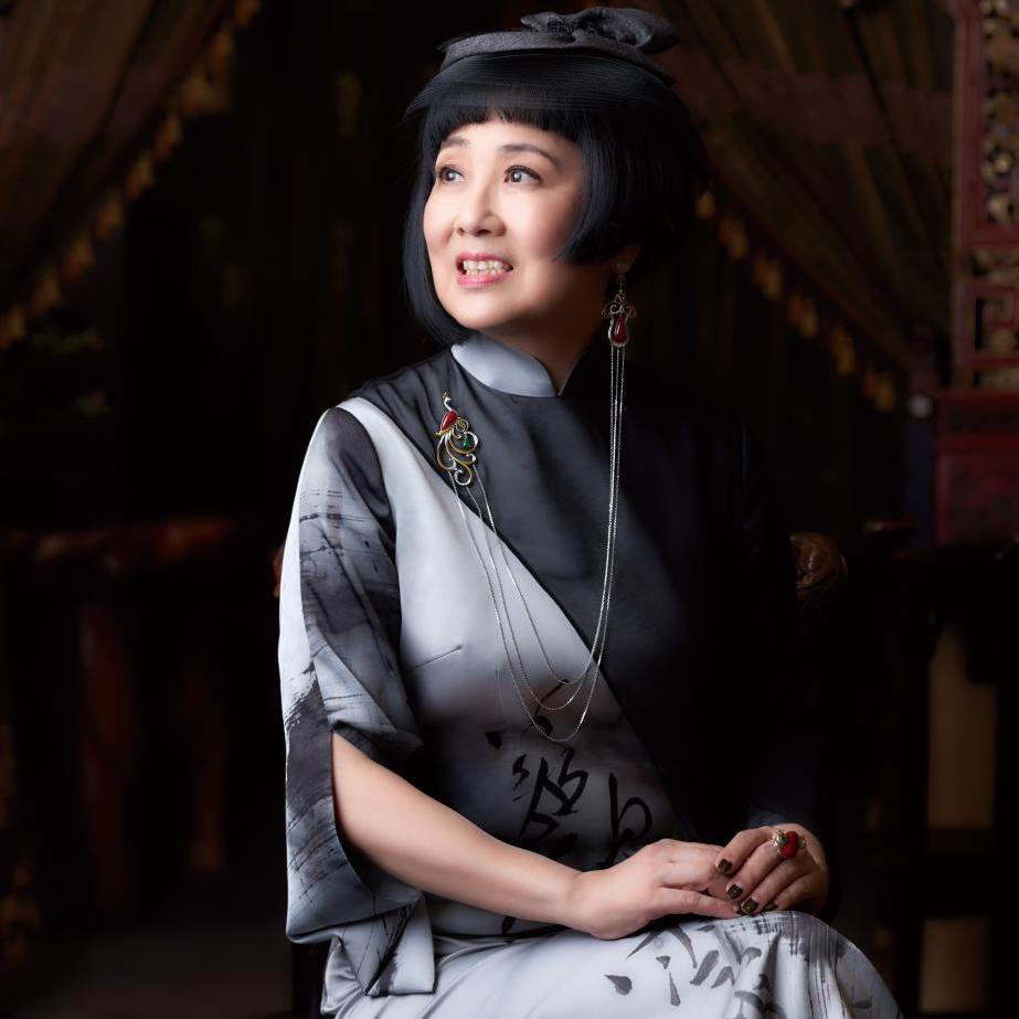 """""""在创作上应下功夫,更应为'人'做设计""""   ――专访台湾珠宝设计师王月要"""