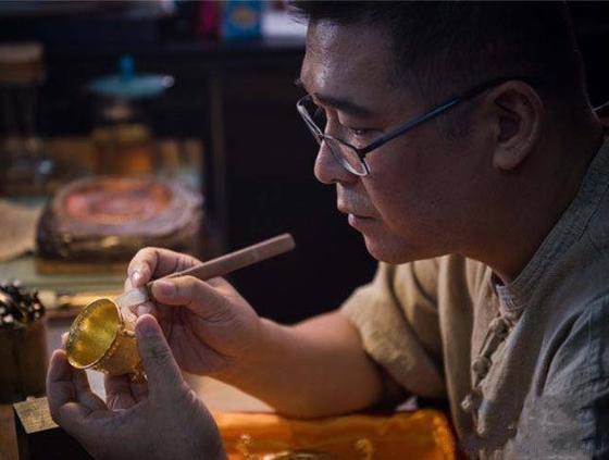千锤百炼的老凤祥金银魔术师――沈国兴