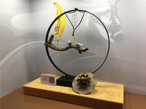 禅悦系列              禅悦系列中禅观更是以原创纳米微雕技术