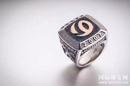 """爱恋珠宝:""""荣耀指环""""─时尚与珠宝的完美呈现"""