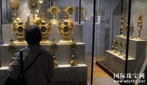 欧洲博物馆再遭劫 镶嵌千余颗宝石珍贵皇冠失窃