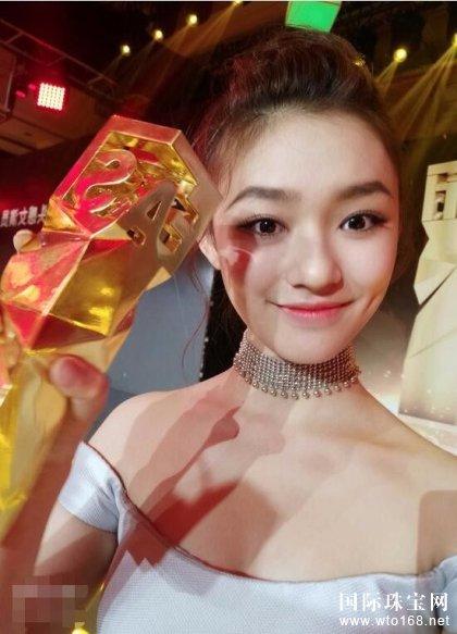 林允获BVLGARI珠宝出席活动 封最具时尚镜头感女演员