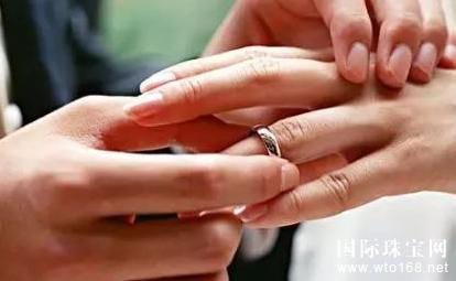结婚钻戒属于夫妻共同财产还是个人财产?