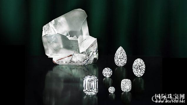 Placeholder Alt Text 左上方,1,109 克拉的 LESEDI LA RONA(我们的光)去除了一部分,产生了首批打磨钻石。GRAFF(格拉夫)预计共可从原石中产出 60 多颗 D 无瑕级钻石。原石的最大部分仍在研究中,标志性钻石的大小和形状仍未确定。照片由 GRAFF(格拉夫)友情提供。