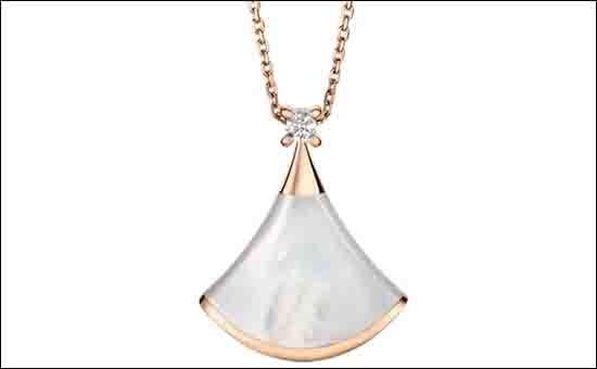 宝格丽玫瑰金镶嵌白贝母钻石扇形项链