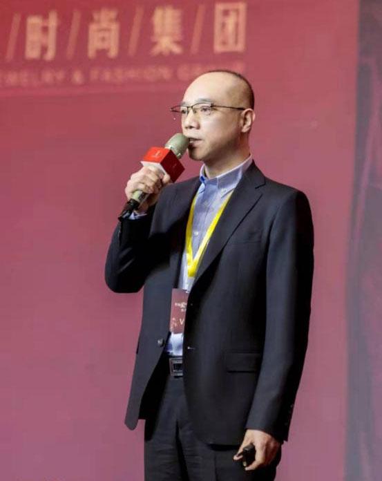 山西五一亚秀黄金珠宝有限公司董事长潘秀军先生