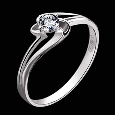 金百福―镶嵌钻石戒指