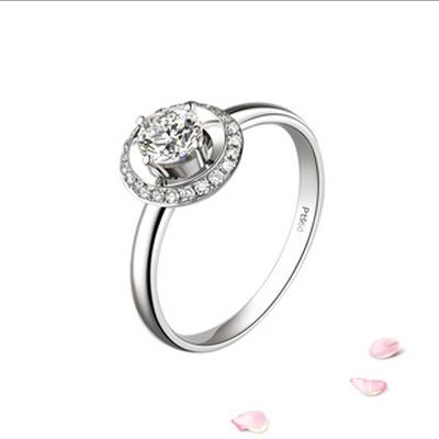 万众瞩目钻石戒指